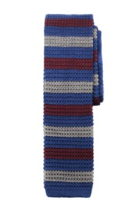 A ribbed silk knit tie by Salt+Dapper. The silver-blue-burgundy combination looks great, doesn't it?